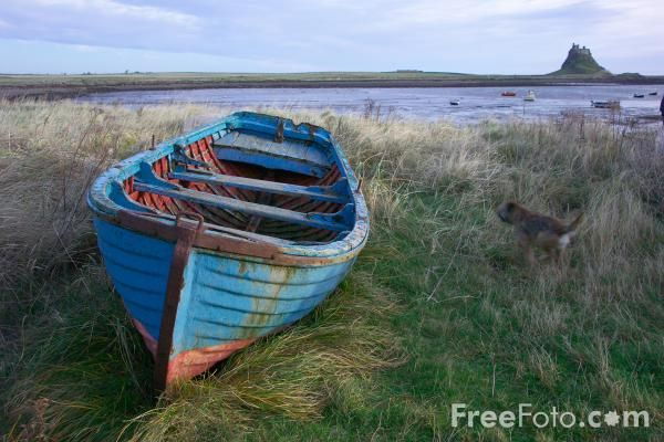 Google Image Result for http://www.freefoto.com/images/1033/45/1033_45_42---Old-Rowing-Boat--Holy-Island--Northumberland_web.jpg