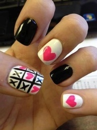 Black, white, and pink, heart tic tac toe nail design. I love this but I know my hearts would turn out like crap!