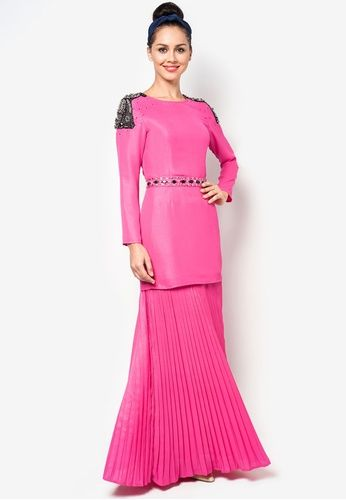 Modern Baju Kurung with Embellishments And Pleated Skirt #zalora