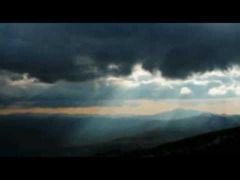 Νίκος Μαμαγκάκης Μολυβένια σύννεφα
