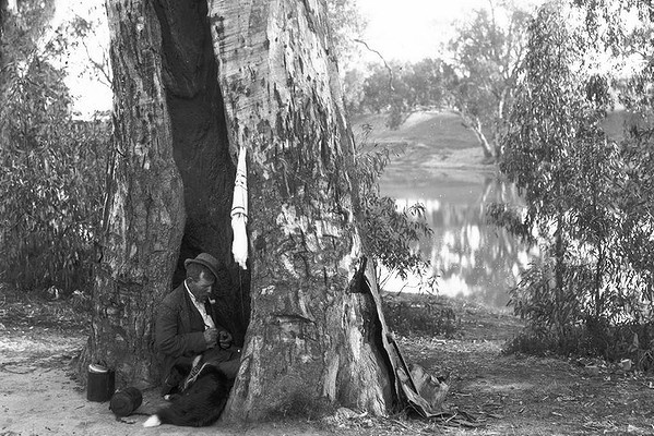 Waiting for Matilda? ... The Swagman. 1910. Photo by George Bell.