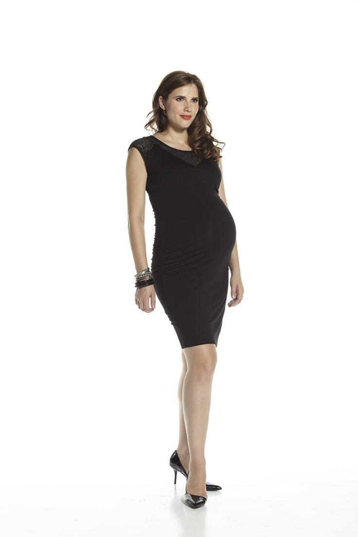 Fitted little black dress with crochet inserts #apsobibi #julesetjim #sexymama