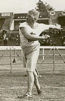 Carl Johan Lind   Carl Johan Lind - Wikipedia, the free Encyclopedia. Silver i släggkastning vid OS i Antwerpen 1920.