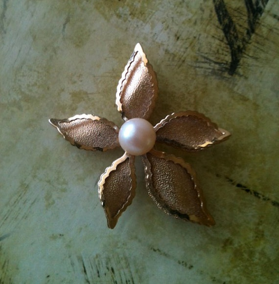 Vintage Faux Pearl  Flower Brooch by RetroJunction on Etsy, $15.00