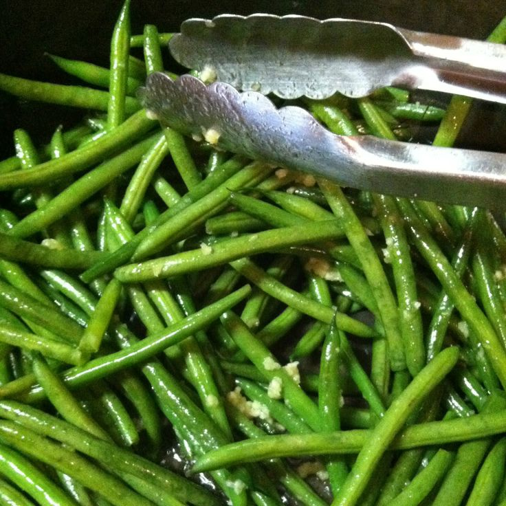 Garlicky Green Beans. Easy, fast, side dish that can go with everything from a casual dinner to a fancy meal.