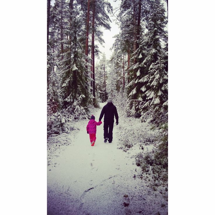 #munperhe #familytime #familia #valkmusa #pyhtää #moronvuori #luminenmetsä #akkujenlataus #metsäretki