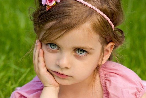 صور اطفال تبكى مكتوب عليها صور اطفال حزينة جدا Hairstyle Hair Styles Headpiece
