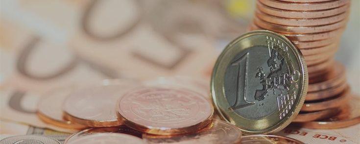 Draghi enviou o euro para baixo Os comentários sobre os resultados da reunião de outubro do Banco Central Europeu ainda enfraquecem consideravelmente a moeda euro. A moeda única europeia se...