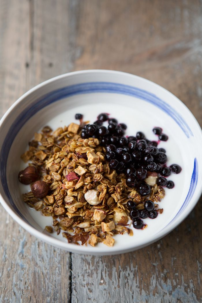 Slow roasted apple and rosehip granola :: Sonja Dahlgren/Dagmar's Kitchen