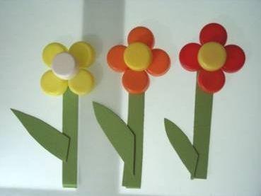 KVĚTINY  Flowers with plastic bottle caps