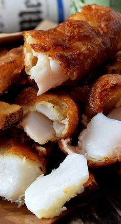 English Style Fish and Chips ~ the batter on this fish is super light and crispy : afamilyfeast