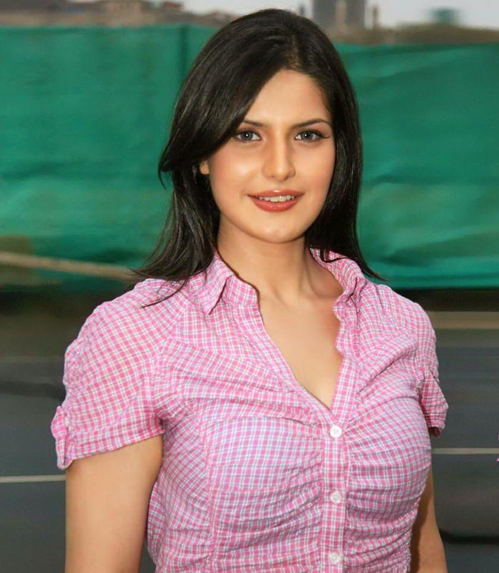 Beautiful Indian Bollywood Actress All Time: Zarine-khan-hot-hf-wallpaper-photos-download-538afc6579e0e