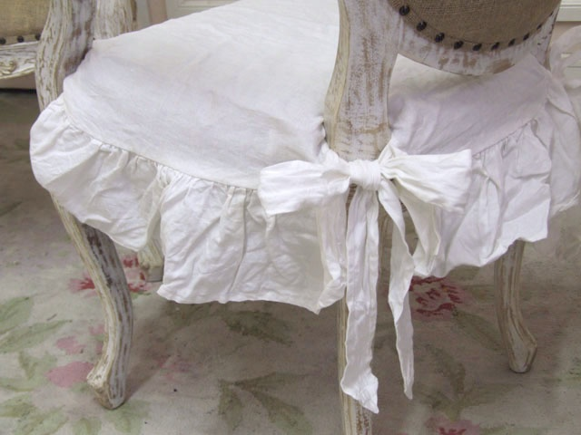 ~ white linen chair seat cover from The Bella Cottage: Bella Cottages, Cottages Style, Creative Ideas, Cute Ideas, Duvet Covers, Furniture Ideas, Cottages White, Chairs Covers, Chiccottag Decor