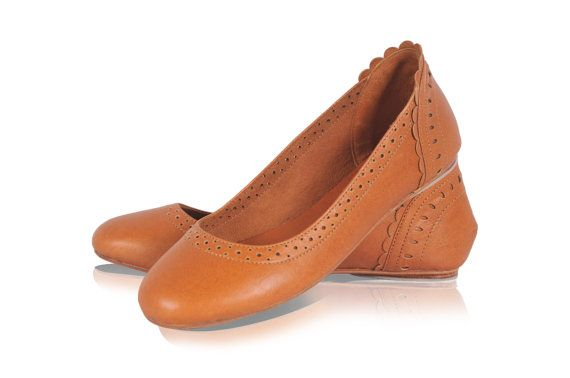 ULUWATU. Dark tan shoes / leather flats / leather shoes by BaliELF