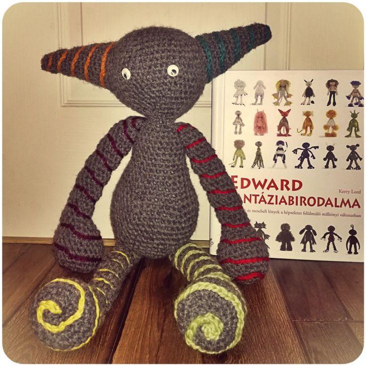 From Edward's Crochet Imaginarium / Edward fantáziabirodalmából. 60 cm. Yarn/fonal: Drops Andes, hook/tű: 7 mm.