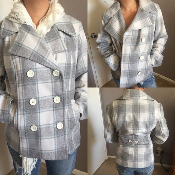 Old Navy Pea Coat Beautiful Pea Coat great light color pattern  don't miss out  ✅ will bundle  ✅ all reasonable offers will be considered  ✅ No Trading  Poshmark rules only‼️ Measurements taken laying flat                            Ⓜ️chest 22                                                                             Ⓜlength 25 1/2   Ⓜ️sleeves 23 Old Navy Jackets & Coats Pea Coats