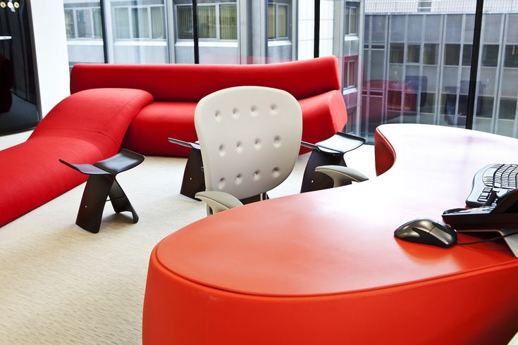 red philippe starck baobab desk area