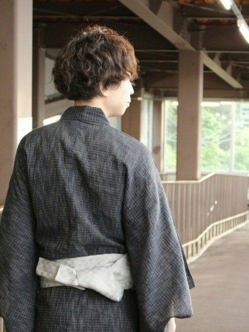 夏!!本番!! 本日は東京足立の花火大会!✨ というわけで番外編の浴衣です。 最近男性で浴衣着る人少