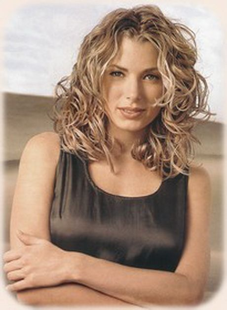 how to style medium curly hair 1000 images about hair cut on peyton sawyer 4409