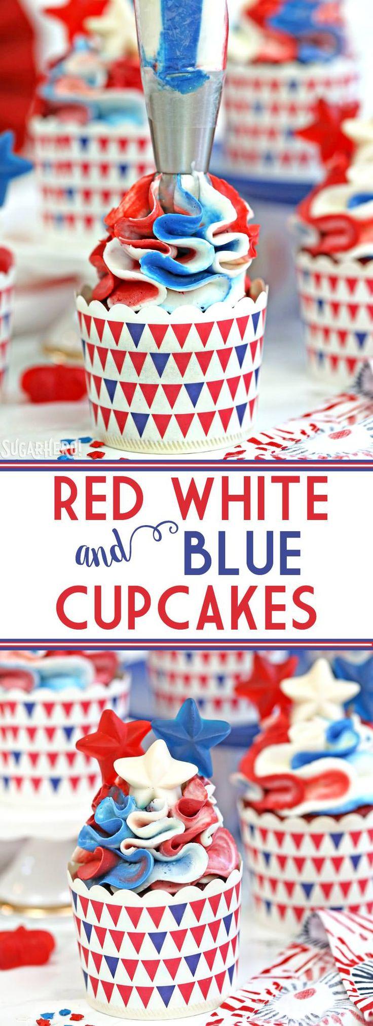 Magdalenas rojas, blancas y azules - las magdalenas rojas bastante veladas rojas del terciopelo, perfeccionan para el cuarto de julio!  |  Desde SugarHero.com