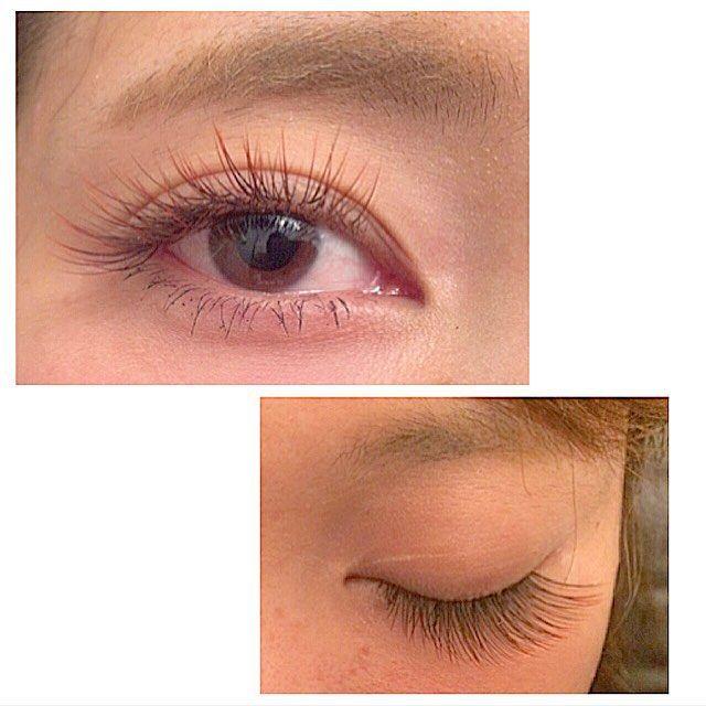 """♡♡♡fusa fusa♡♡♡ 先ほどの詳細です♡. . .  カーキブラウンとグラデーションレッドのmix. .  あくまでも""""柔らかい雰囲気で""""というご希望でしたので、. .  少ーしだけ、カーキブラウンの割合が多めです♡ . .  黒すぎなくて、肌なじみのよいカラーな仕上がりになりました♡  #eye#eyelash#color#gradation#color#lash#BROWN#KHAKI#セーブル##Jカール#まつげエクステ#カラーエクステ#まつげ#外人風#カラー#まつげ#茶色#ブラウンエクステ#ブラウン#タレ目#まつえく#まつげえくすて"""