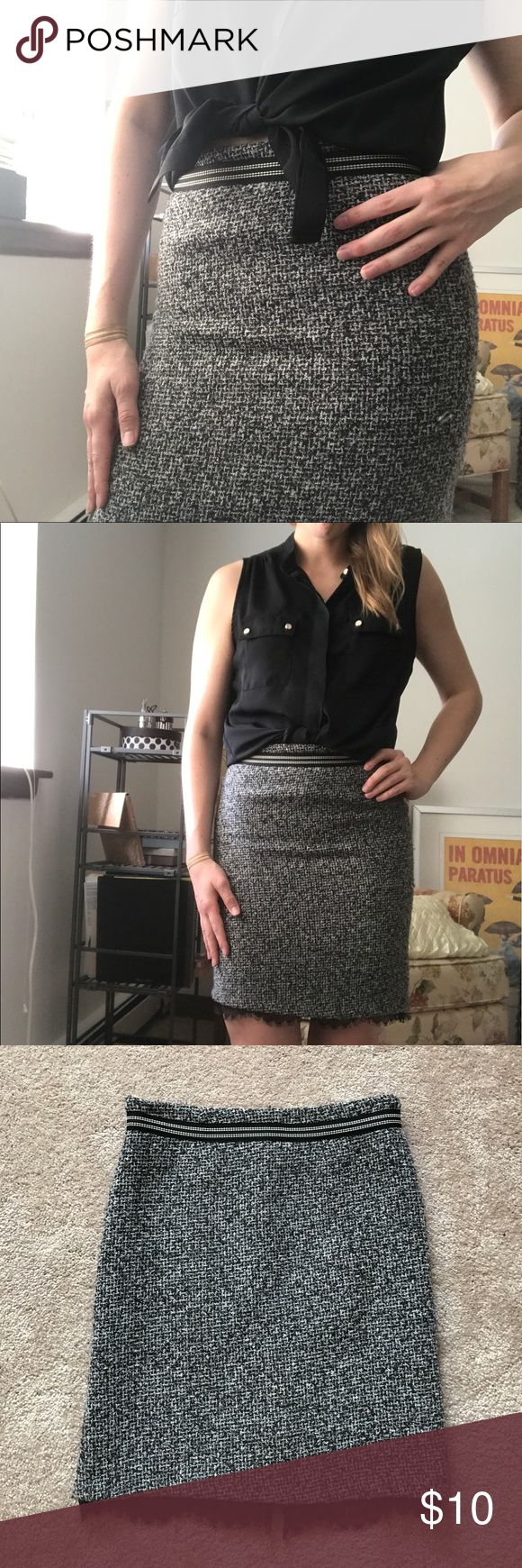 Tweed Pencil Skirt GUC. A few minor pulls. I don't notice when wearing. Perfect for work skirt. True Meaning Skirts Pencil