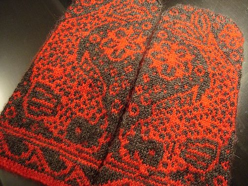 Kissing Koi Mittens designed by Lisa Perusse
