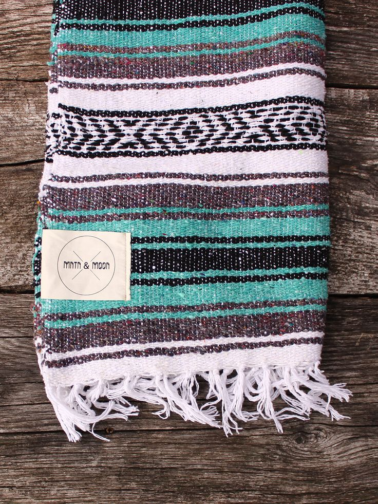 The Lago Falsa blanket is the perfect companion for yoga, outdoor day trips or to accent your home decor. Enjoy during your winter days, summer nights, and everything in between. Blankets are handwove