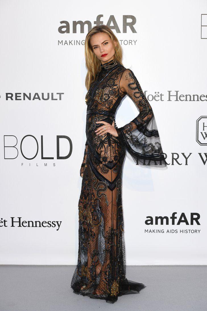 Pin for Later: Ne Manquez Pas Tout le Glamour de la Soirée la Plus Mode du Festival de Cannes Natasha Poly Portant une robe signée Roberto Cavalli.
