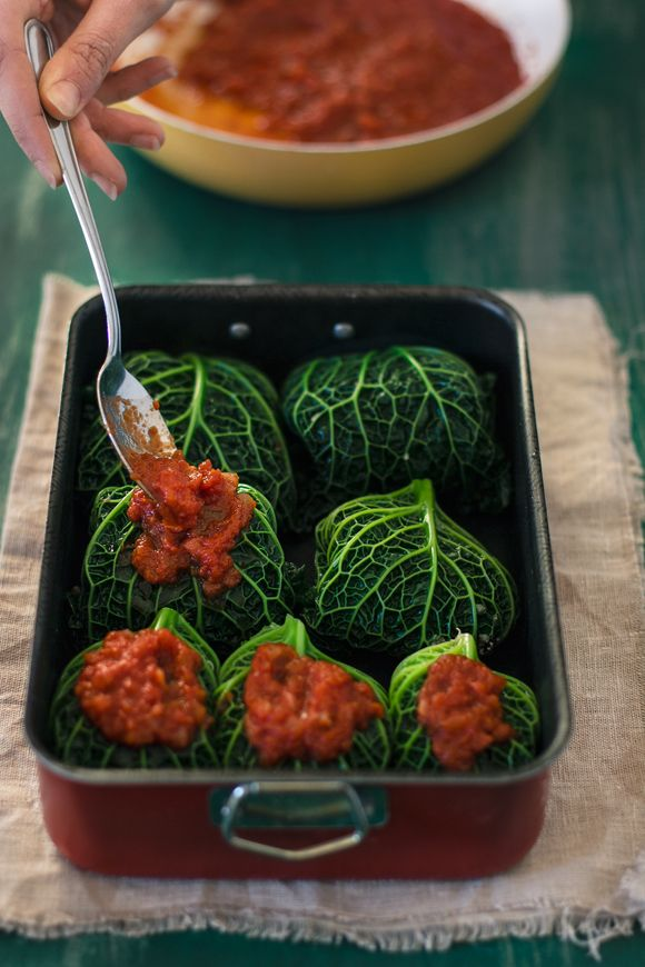 giroVegando in cucina: Involtini di verza con lenticchie, quinoa, olive e noci