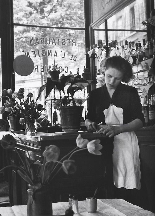 Paris 1952   Photo: Edouard Boubat