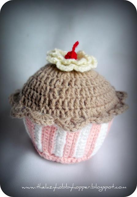 Crochet cupcake: Crochet Ideas, Hats Patterns, Crochet Tutorials, Pincushion Patterns, Crochet Cupcake, Free Patterns, Crochet Patterns, Diy Crochet, Lazy Hobbyhopp