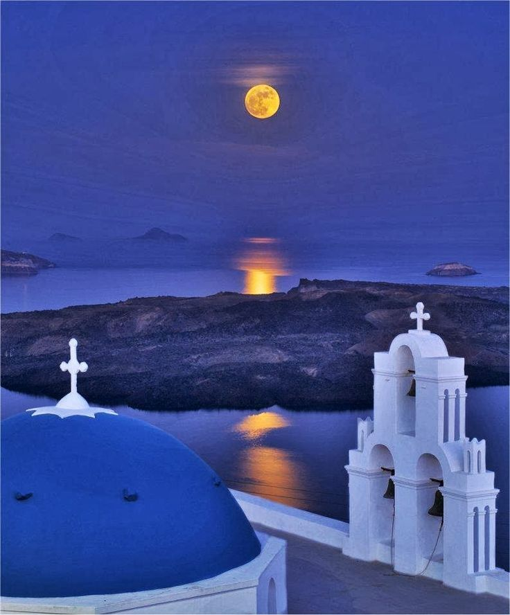 VISIT GREECE| Full Moon over Santorini, #Greece