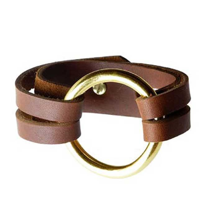 Henri Lou Inspired Leather Bracelet - Tutorial  http://sometimes-homemade.com/diy-leather-o-ring-bracelet/