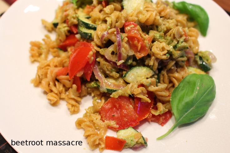 Clean Eating vegan Linsennudeln mit Rucola-Pesto