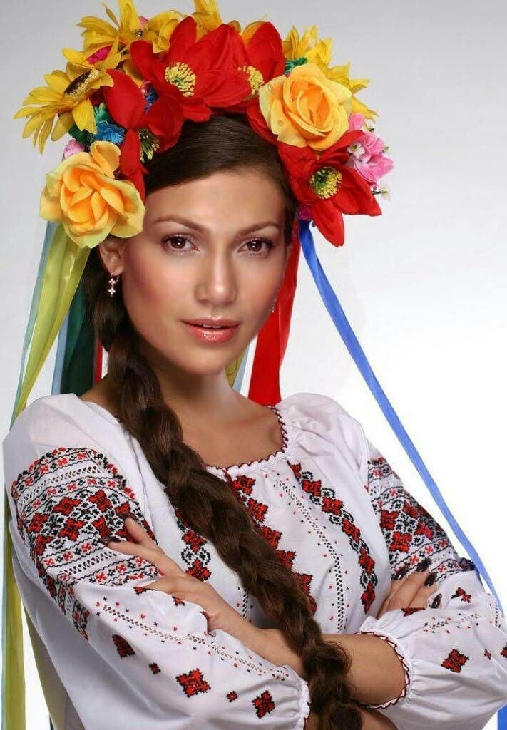 Pin By R M On Zhenskie Obrazy Ukrainian Clothing Ukraine Women Ukrainian Women