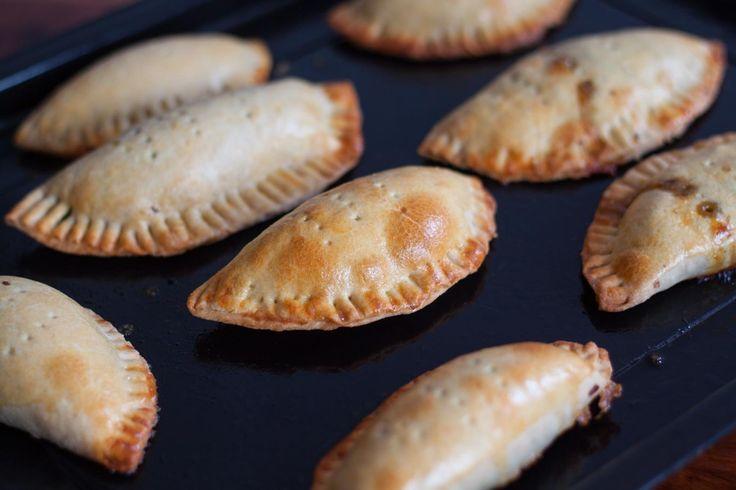 Spicy Mushroom Puffs Recipe (Empanadas stuffed with Mushroom Recipe)