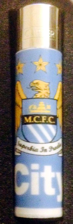 1 x  MANCHESTER CITY  FOOTBALL CLIPPER OFFICIAL GENUINE GAS REFILLABLE LIGHTER