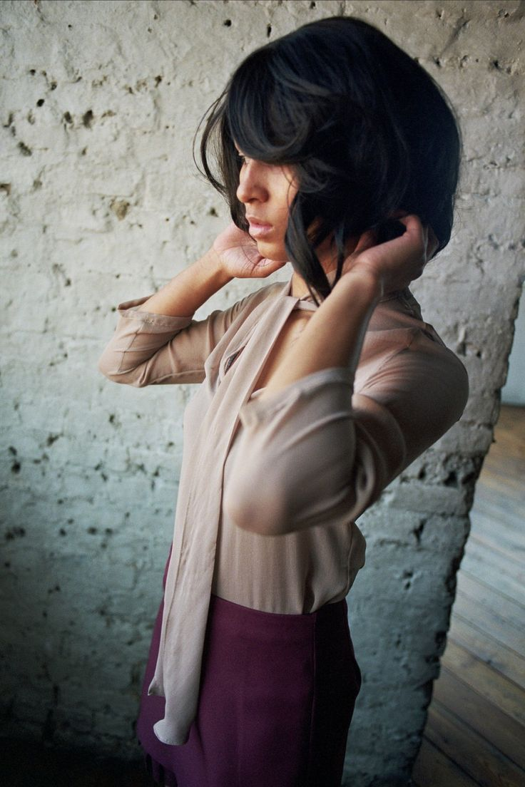 Jeanne - Taupe silk-chiffon blouse with pussy-bow neck tie. Images copyright (c) Scarlett Cunningham. All rights reserved).
