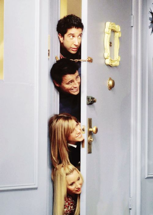 #Friends #Thanksgiving episode The floating heads do have a point.