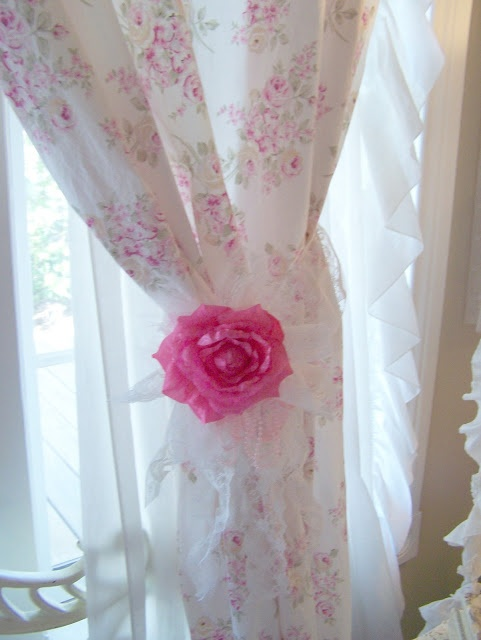 114 best images about courtains on pinterest window - Shabby chic curtain poles ...