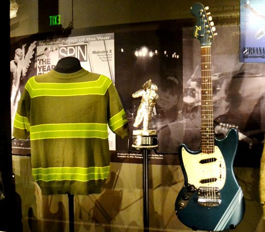 Seattle vivió un boom musical en la década de los 90 que todavía hoy tiene consecuencias, la mayoría buenas, y con motivo del aniversario número 20 del disco Nevermind de la extinta banda Nirvana, …