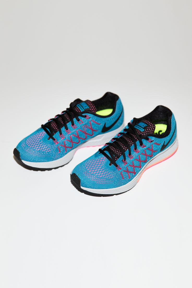 Keep your stride light and your style soaring in the Nike Air Zoom Pegasus  32 running