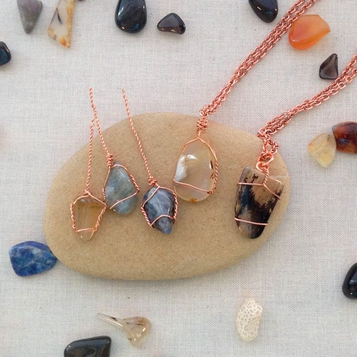 Lisa Yang's Jewelry Blog: Two Methods to Wire Wrap Undrilled Stone Pendants