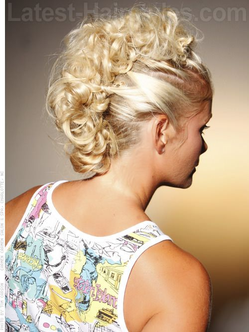 Twisted Sister Curly Funky Style Back View Might Just Try The Faux Mok On A