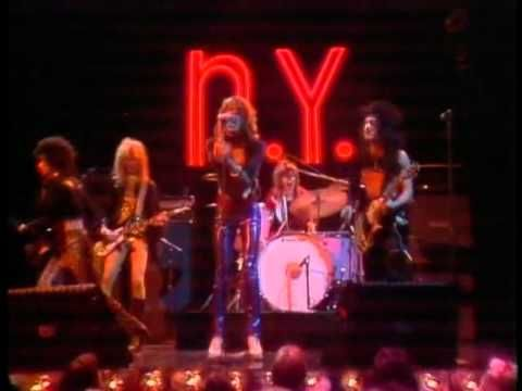 The Midnight Special More 1973 - 18 - New York Dolls - Personality Crisis - YouTube