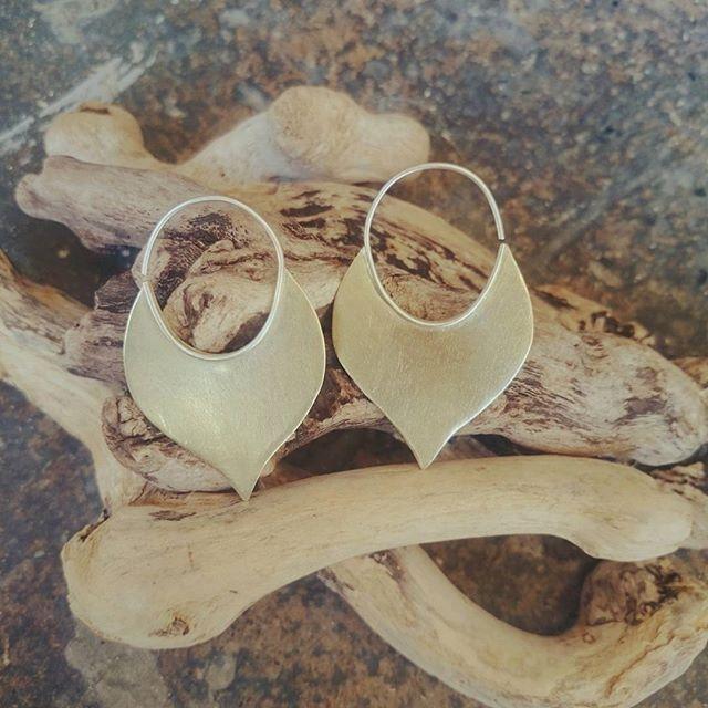 Handcrafted Tribal Brass and Sterling Silver Earrings  #morganacrea #madeinitaly #brass #Silver #earrings #Jewellry #Jewelry #Jewellery #gold #tribaljewelry #India #gypsyjewelry #metalsmith #ethicalfashion #sustainablefashion #Boho #bohochic #orecchini #ottone #argento #gioielli #artigianato #torino