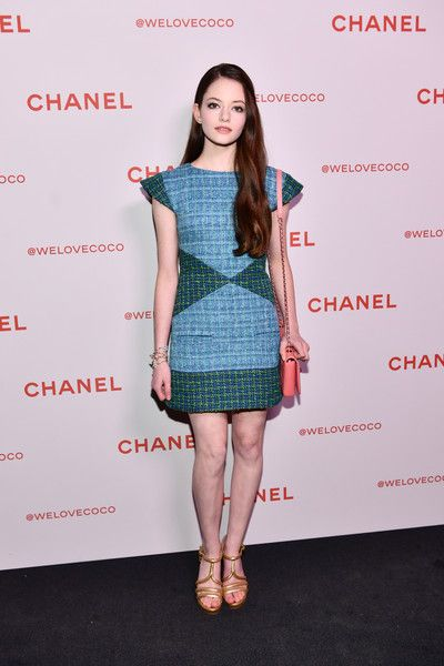Mackenzie Foy Photos - Mackenzie Foy, wearing Chanel, attends a Chanel Party to celebrate the Chanel Beauty House and @WELOVECOCO at Chanel Beauty House on February 28, 2018 in Los Angeles, California. - Chanel Party to Celebrate the Chanel Beauty House and @WELOVECOCO