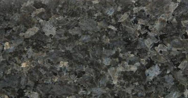Cómo elegir el color de granito para un mesón. El granito es una opción popular para los mesones. No sólo es natural, de alta calidad y versátil, sino que también está disponible en una variedad de colores. La paleta de granito se extiende desde los colores claros como el blanco, arena y oro a los colores oscuros como el negro y el verde. Los colores neutros como el beige, marrón y gris ...
