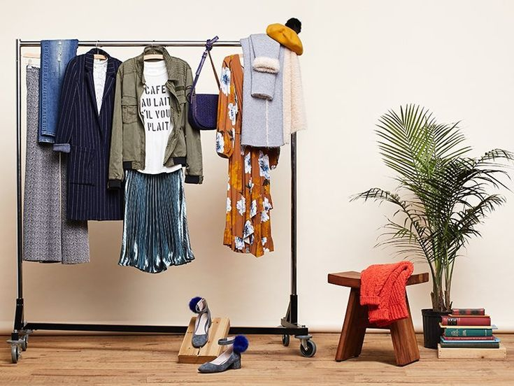 We asked our personal stylist Christina Frederick to curate an autumn capsule wardrobe that ticks of all these boxes. No pressure, Christina. And yes, she delivered (and some), with a mix and match capsule full of fresh spins on layering, standout shades, soft power pieces and lustrous metallic sheens—think of theseas the building blocks of your autumn outfits.  Here's her rundown of this...